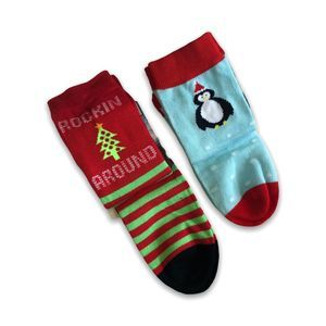 2 Pair of Christmas Holiday Cabin Socks Winter S/M